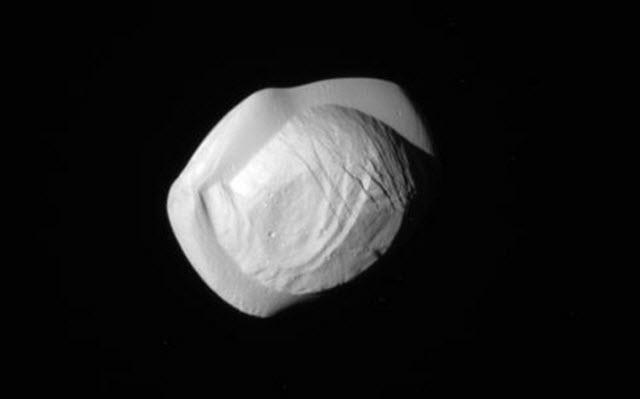 Close-up of Saturn's moon Pan
